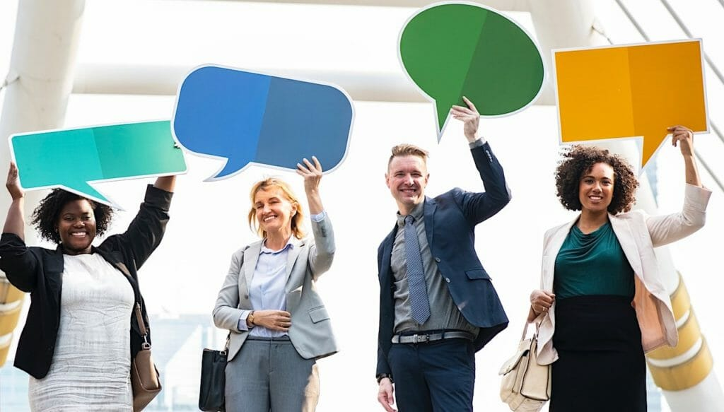 SG - 5 Reasons Why Live Chat Helps Your Business Go the Extra Mile